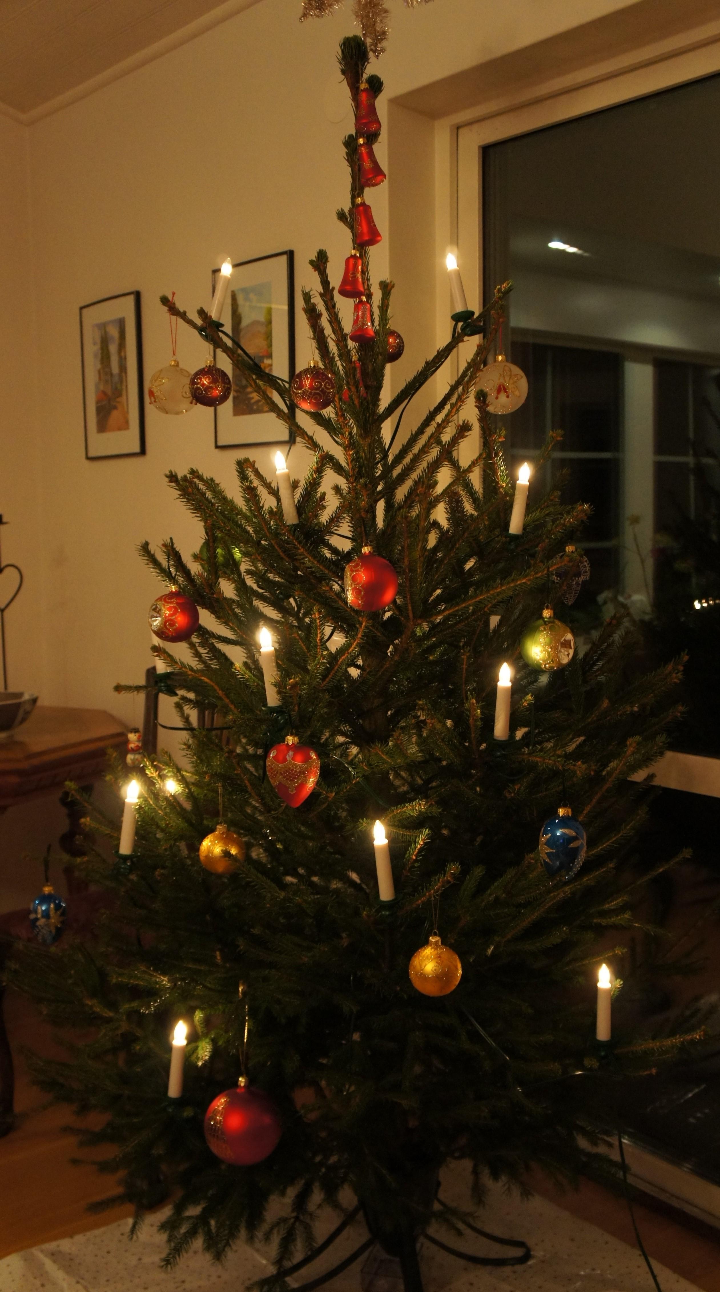 O Christmas Tree, O Christmas Tree   Marie Willermark